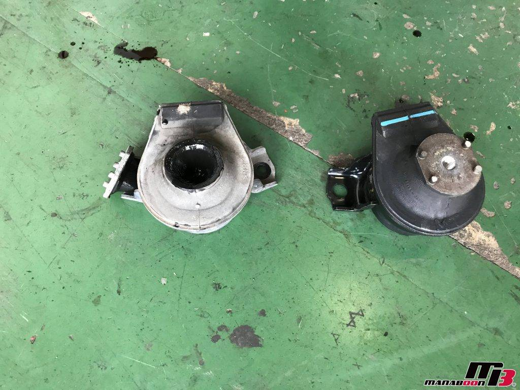 RX-8エンジンマウント右新品画像