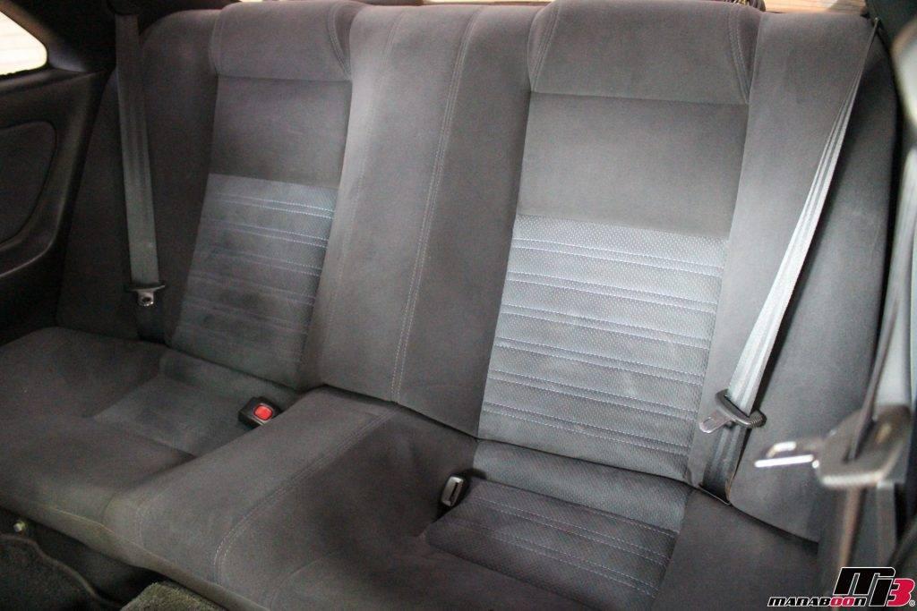 スカイラインGT-R(R33)リアシート内装画像