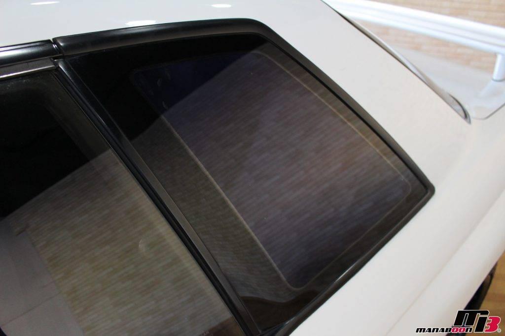 スカイラインGT-R(BNR32)リアウインドウモール画像
