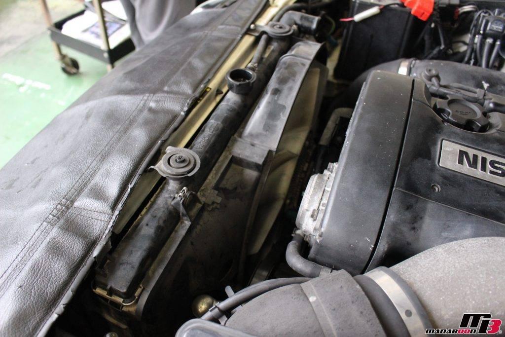 スカイラインGT-R(BNR32)タイミングベルト交換作業画像