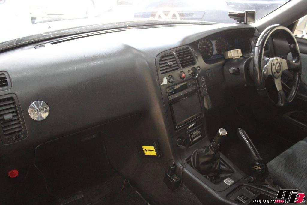 IMPUL R33-R内装画像