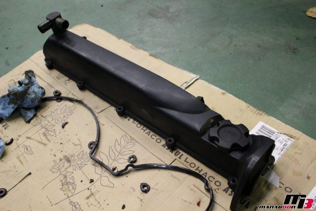 スカイラインGT-R(BNR32)タペットカバーパッキン交換