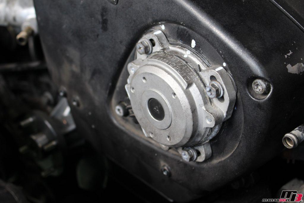 スカイラインGT-R(BNR32)クランク角センサー取り付け作業画像