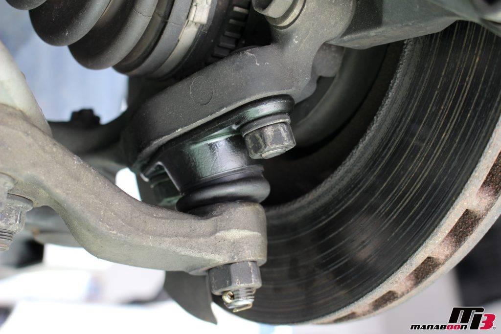 スカイラインGT-R(R33)フロントロアボールジョイント交換画像