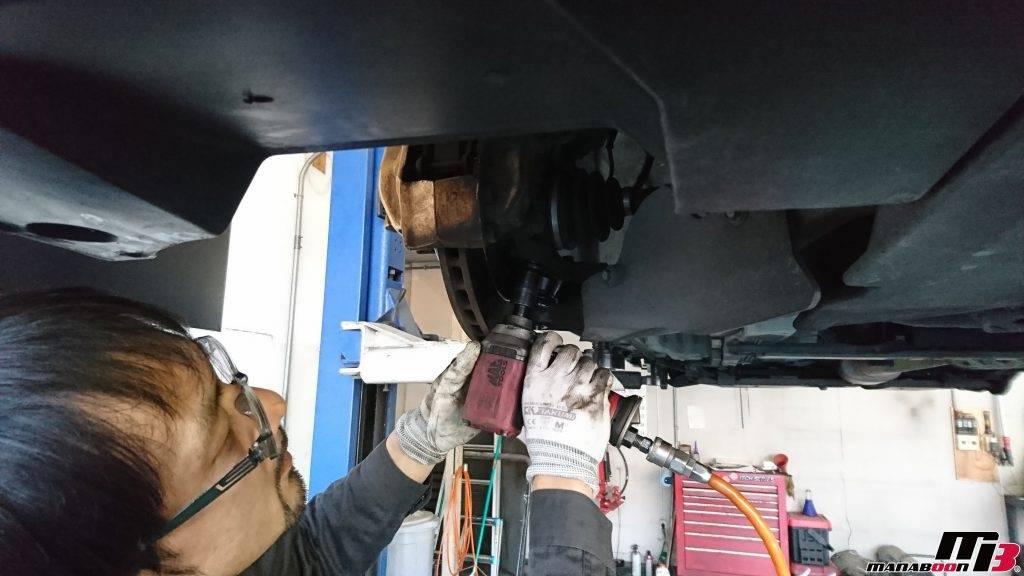 スカイラインGT-R(BNR34)Vspecロアボールジョイントブーツ交換作業画像