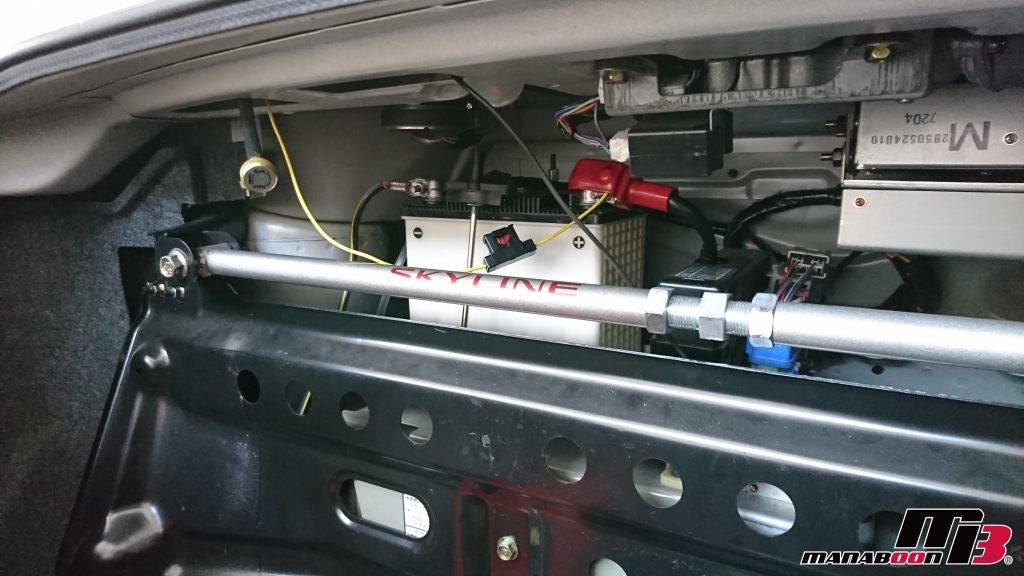 スカイラインGT-R(R33)バッテリー交換画像