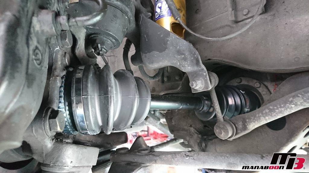 スカイラインGT-R(BCNR33)ドライブシャフトブーツ交換