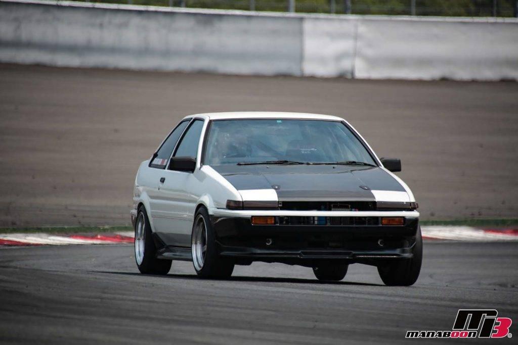 カローラレビン(AE86)耐久レース画像