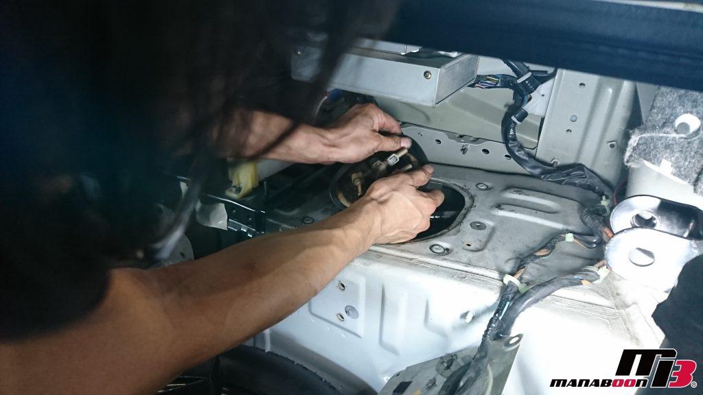 スカイラインGT-R(BCNR33)ガソリン漏れ修理画像