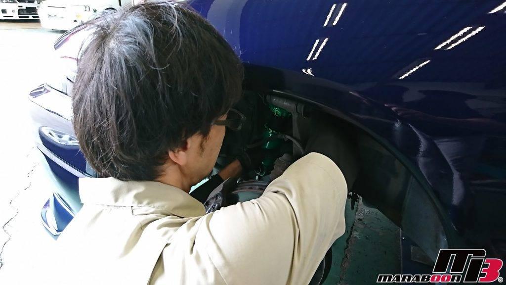 スカイラインGT-R(BCNR33)TEIN車高調取付画像
