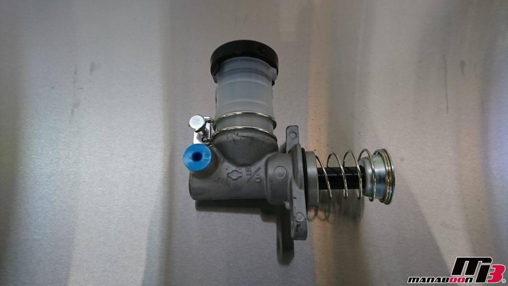 スカイラインGT-R(BCNR33)クラッチマスター交換画像