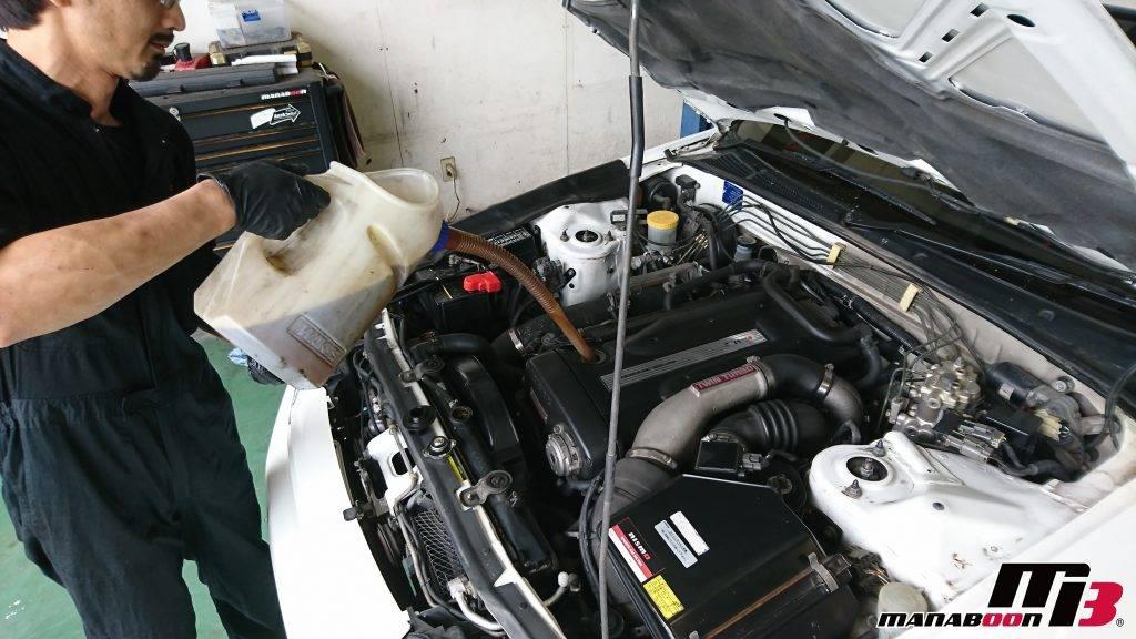 スカイラインGT-R(BNR32)エンジンオイル交換画像