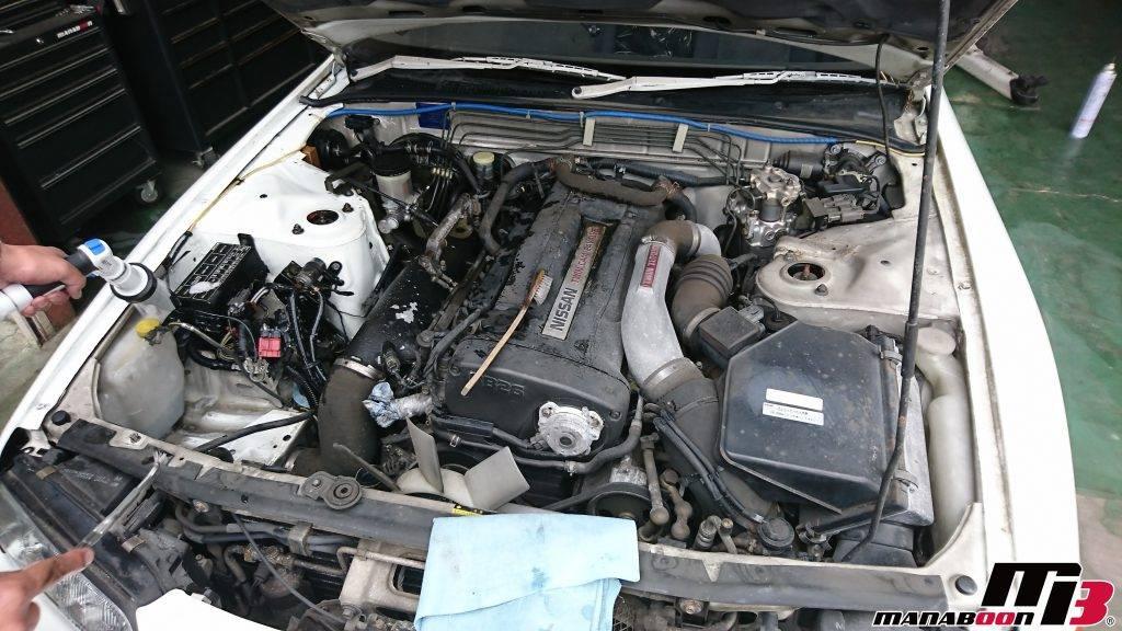 スカイラインGT-R(BNR32)エンジンルーム洗浄画像