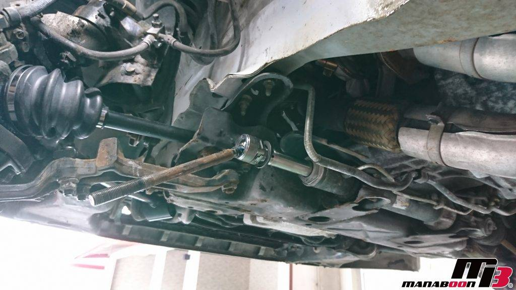 スカイラインGT-R(BNR32)ステアリングラックブーツ交換画像