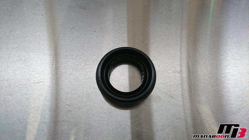 スカイラインGT-R(BCNR33)デフオイル漏れ修理画像