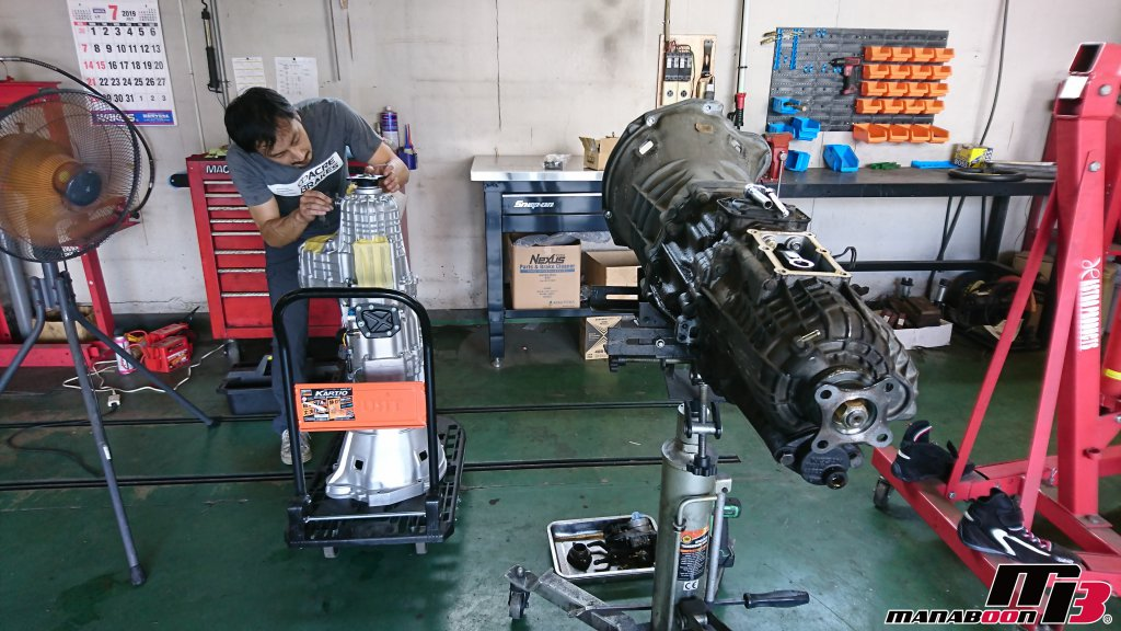 スカイラインGT-R(BCNR33)オートギャラリー横浜SSミッション690交換画像