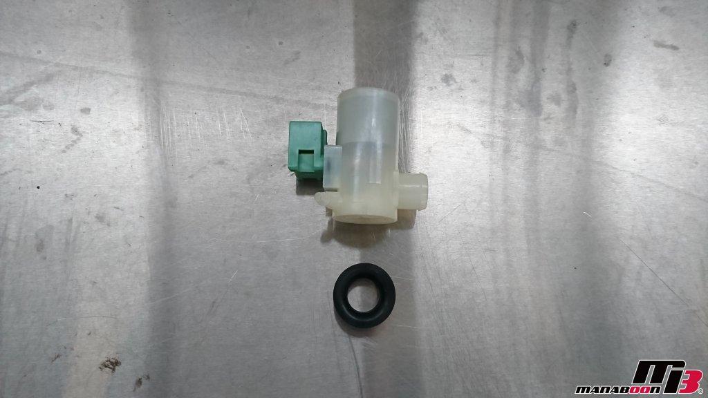 スカイラインGT-R(BCNR33)ウォッシャーモーター交換画像