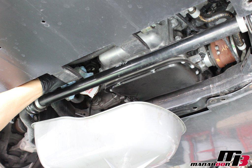 GT-R(R35)オイル交換画像