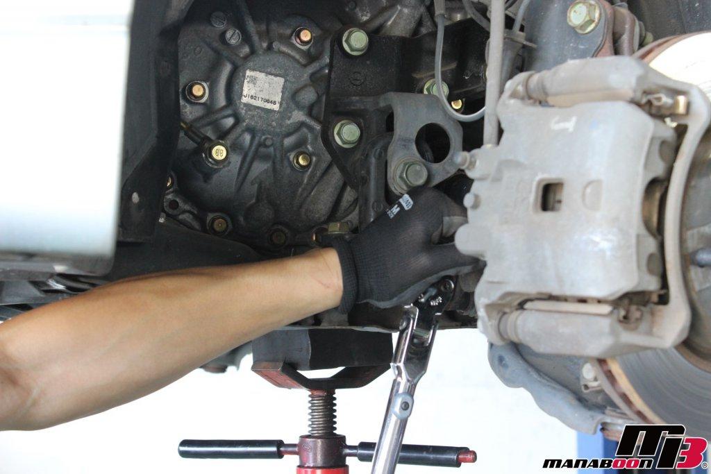 ラフェスタ(B30)エンジンマウント交換画像