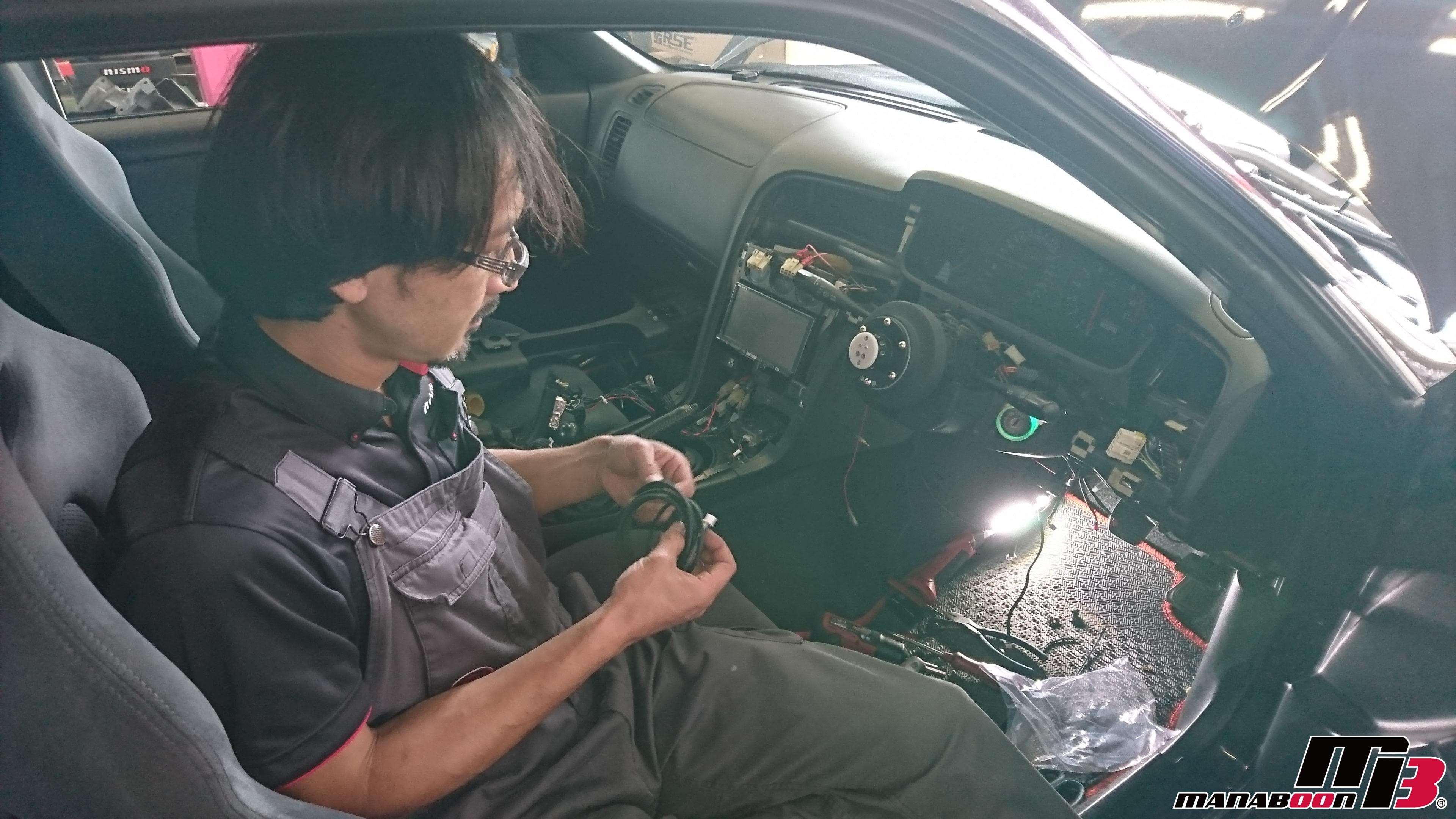 スカイラインGT-R(BCNR33)追加メーター取付画像