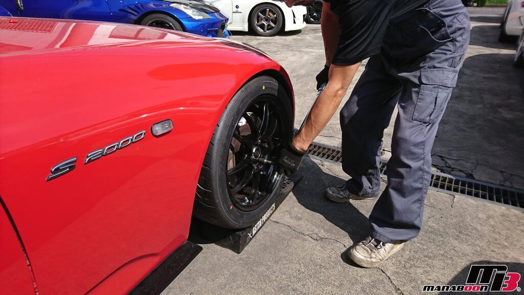 S2000(AP1)タイヤ交換画像