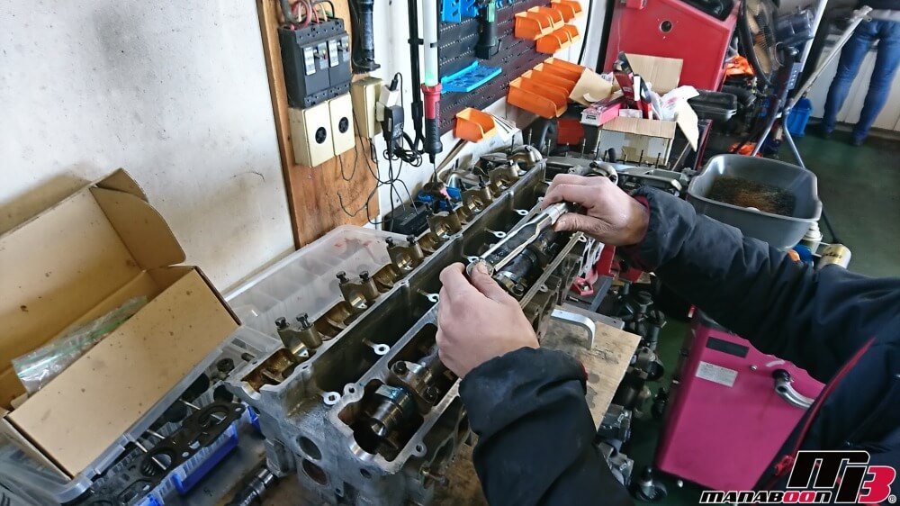 スカイラインGT-R(BNR32)RB26DETTのカム交換作業の画像