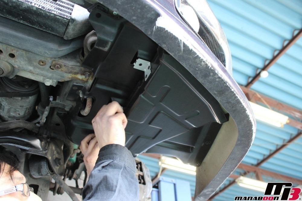 スカイラインGT-R(BNCR33)インナーフェンダー取付作業の画像