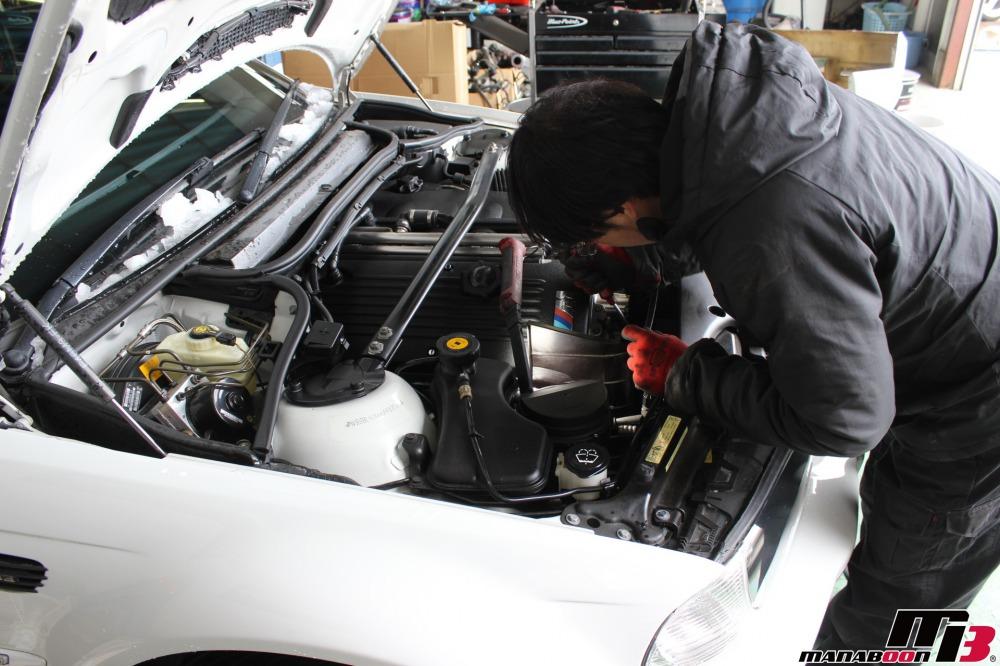 BMW M3(E46)ベルト調整作業の画像