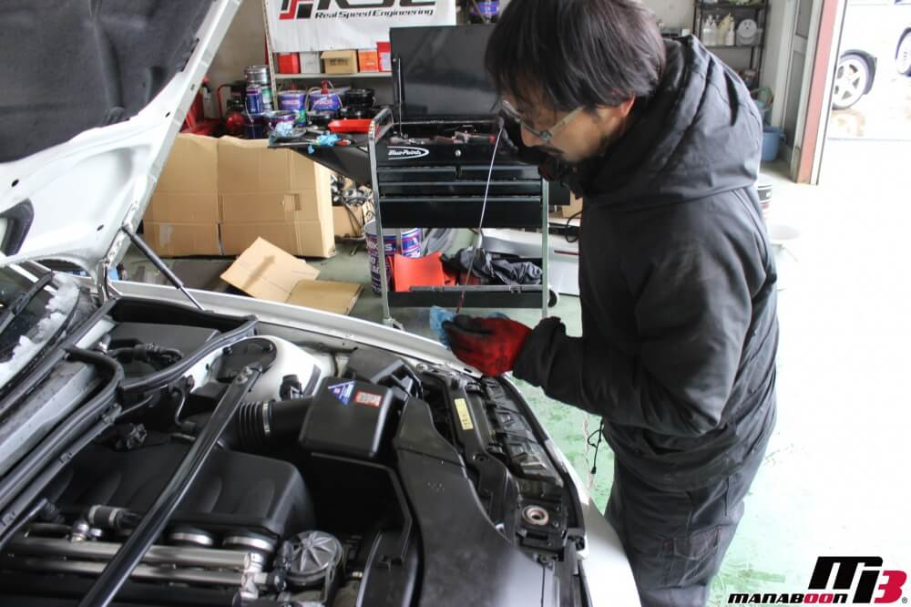 BMW M3(E46)エンジンオイル交換作業の画像