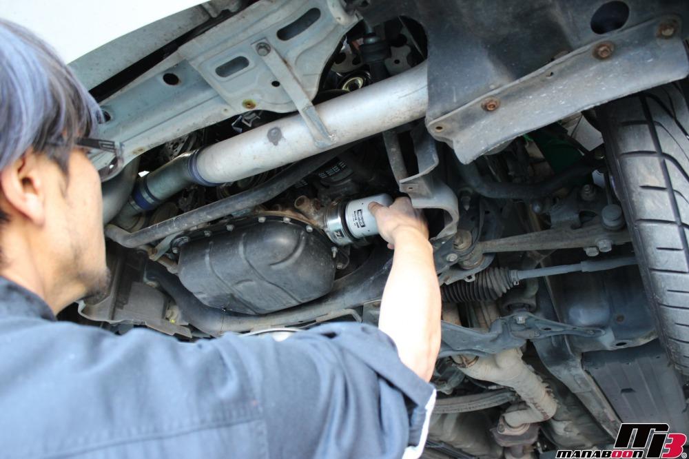アルテッツァ(SXE10)エンジンオイル交換作業の画像