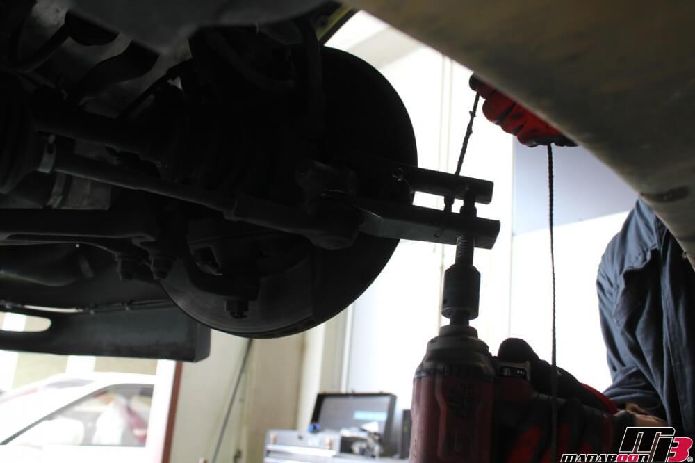 スカイラインGT-R(BCNR33)タイロッドエンドブーツ交換作業の画像