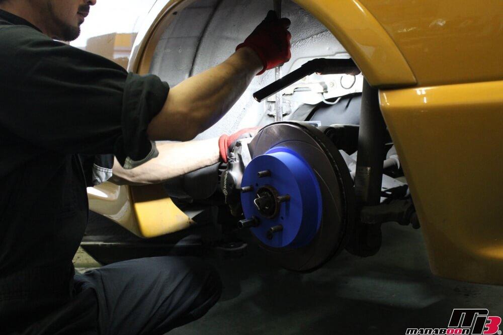 スカイラインGT-R(BCNR33)ブレーキパッド&ローター交換作業の画像