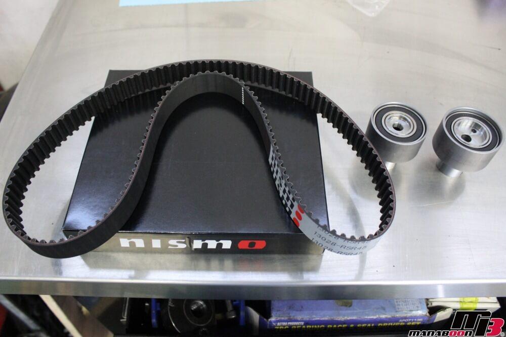 スカイラインGT-R(BCNR33)タイミングベルト交換作業の画像