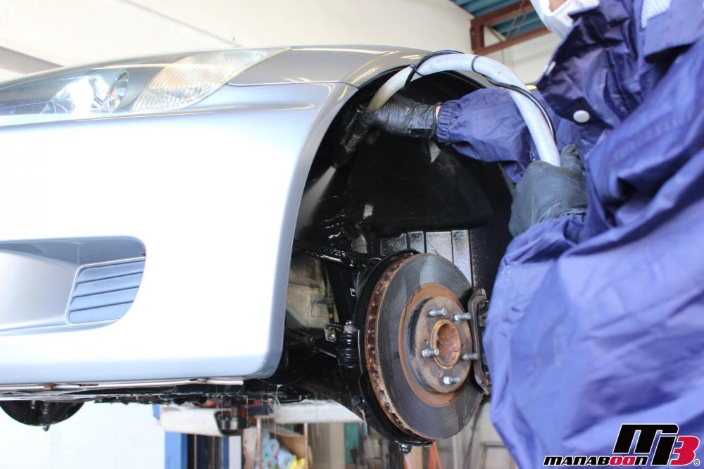 S2000(AP1)下廻りの洗浄作業の画像