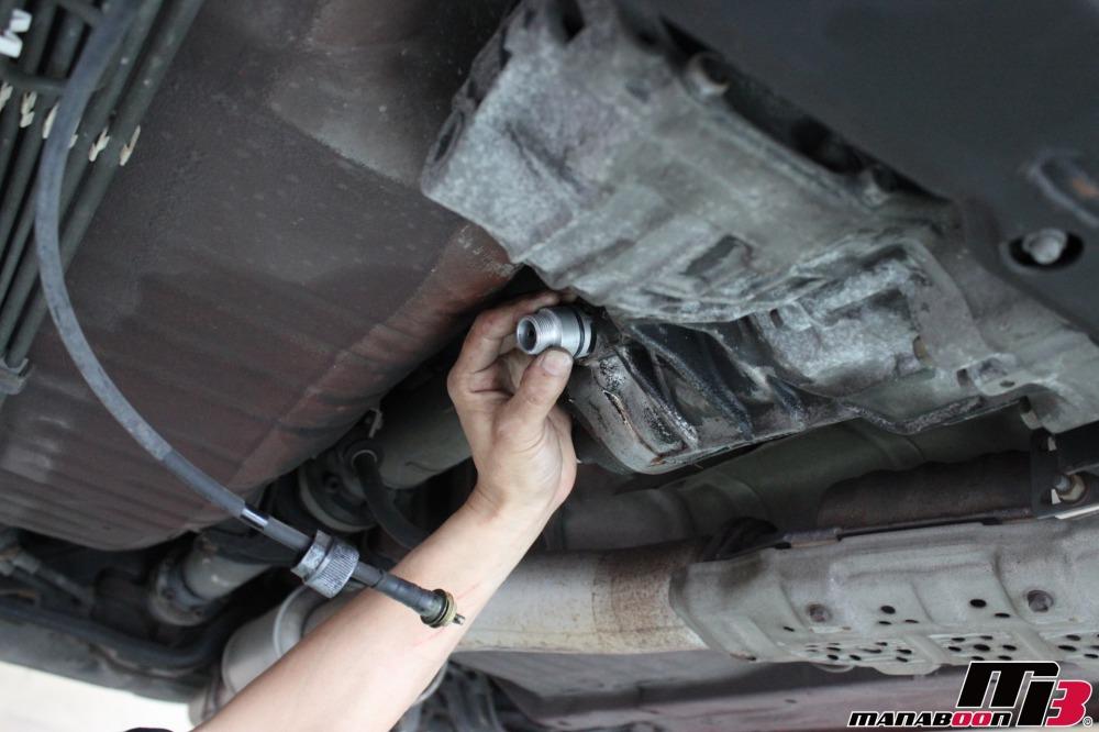 スカイラインGT-R(BNR32)オイル漏れ修理作業の画像
