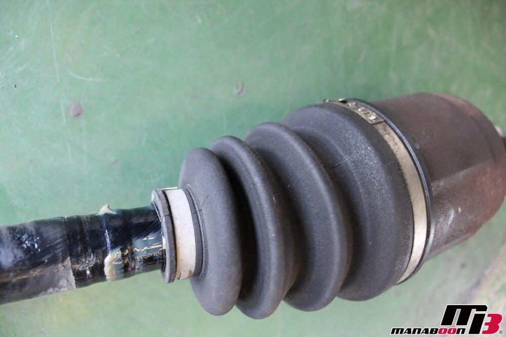 シビックタイプR(EK9)ドライブシャフトの交換の作業画像