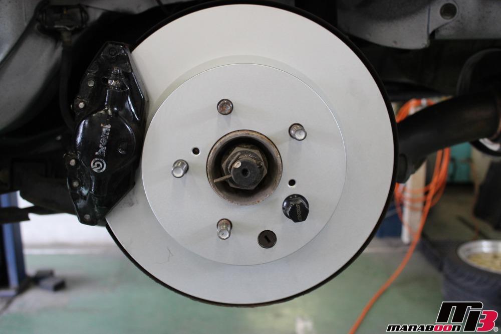 スカイラインGT-R(BCNR33)ブレーキローターの交換作業の画像