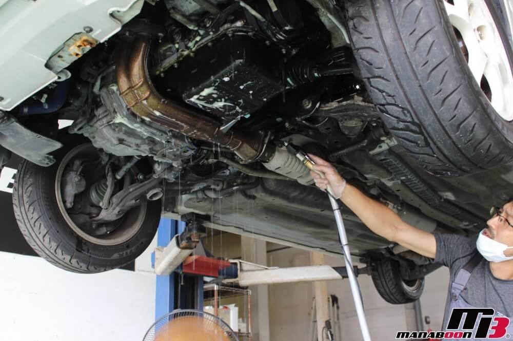 シビックタイプR(EK9)オイル漏れ修理の作業画像