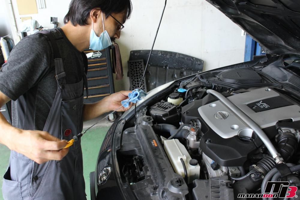 フェアレディZ(Z33)エンジンオイルの交換作業の画像