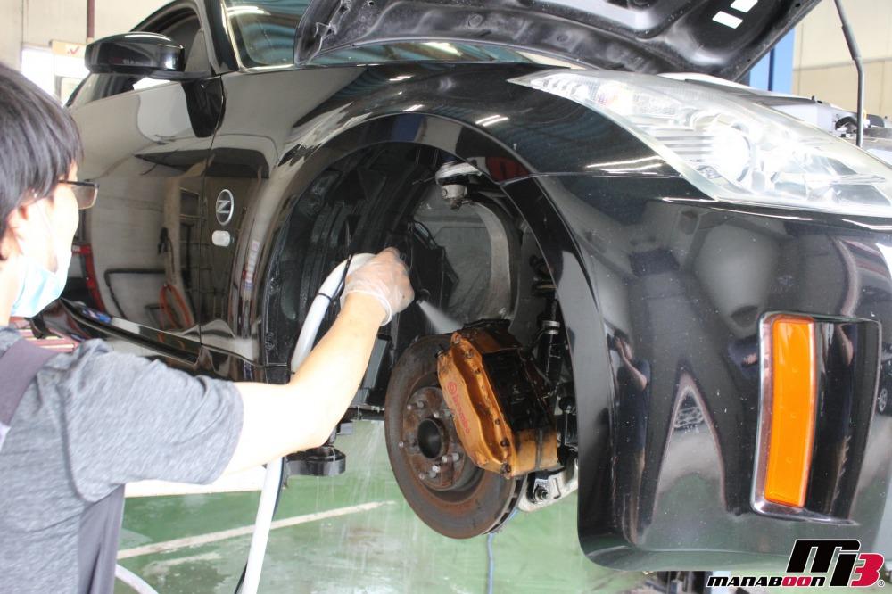 フェアレディZ(Z33)の納車前の点検整備作業の画像