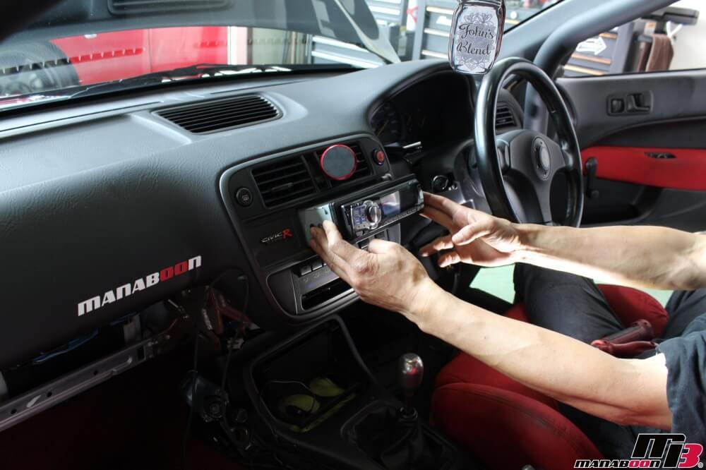 シビックタイプR(EK9)持ち込みパーツ取付作業の画像