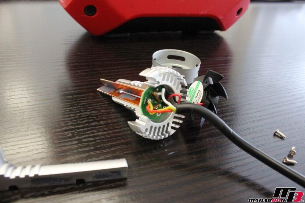 スカイラインGT-R(BCNR33)ヘッドライト修理作業の画像