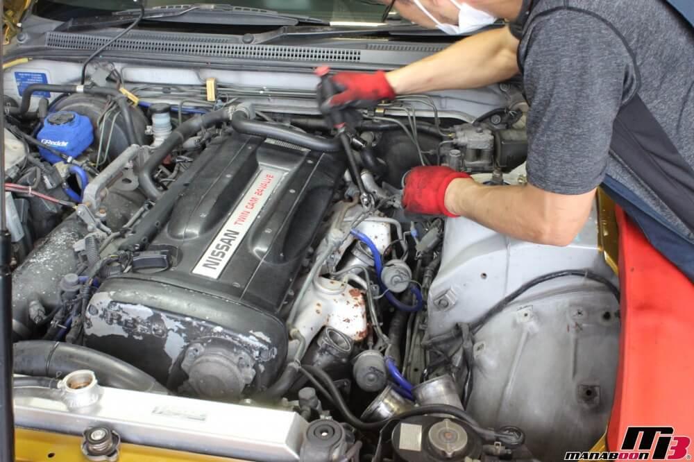 スカイラインGT-R(BCNR33)排気漏れ修理作業の画像