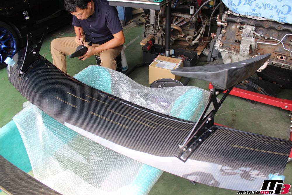 フェアレディZ(Z33)GT-WINGの取付作業の画像