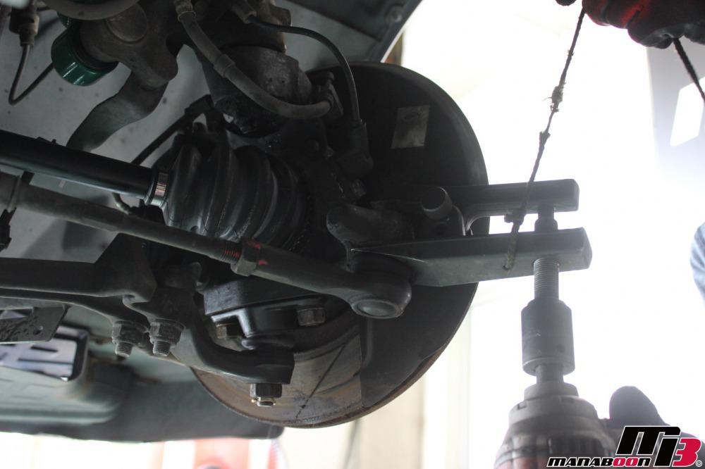 スカイラインGT-R(BCNR33)タイロッドエンド交換作業の画像