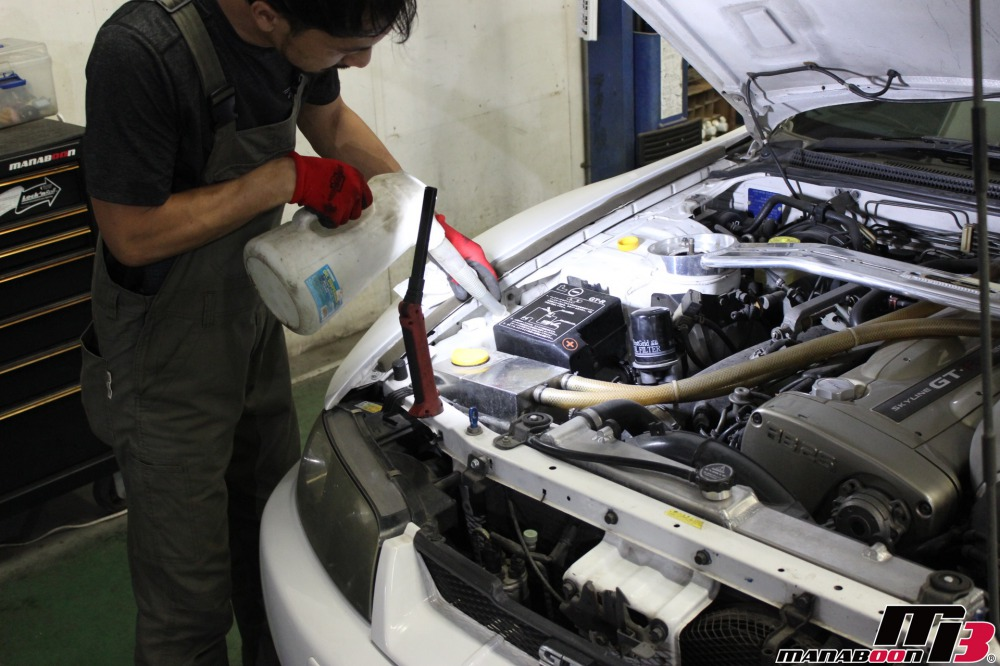 改造車点検整備作業の画像