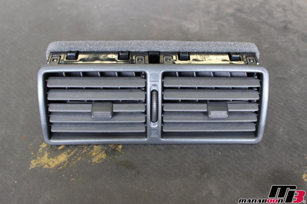 スカイラインGT-R(BNR32)販売前の整備作業の画像