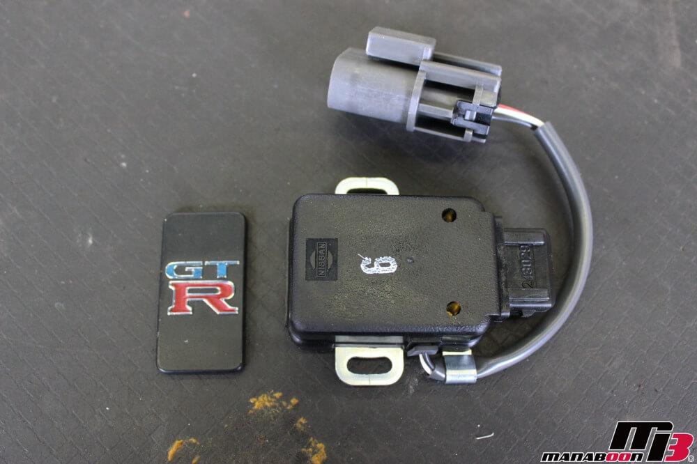 スカイラインGT-Rスロットルポジションセンサー交換作業の画像