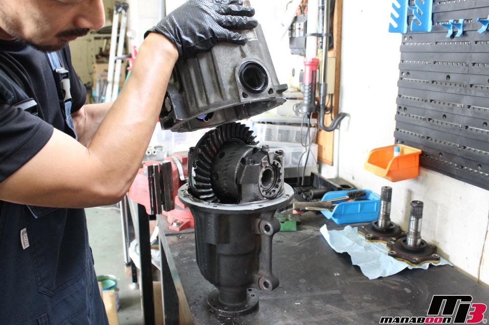 S2000(AP1)デフブロー修理作業の画像