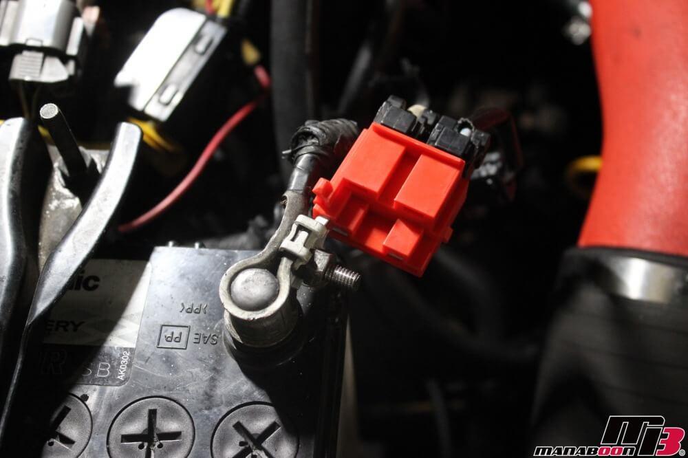 スカイラインGT-Rの点検整備作業の画像